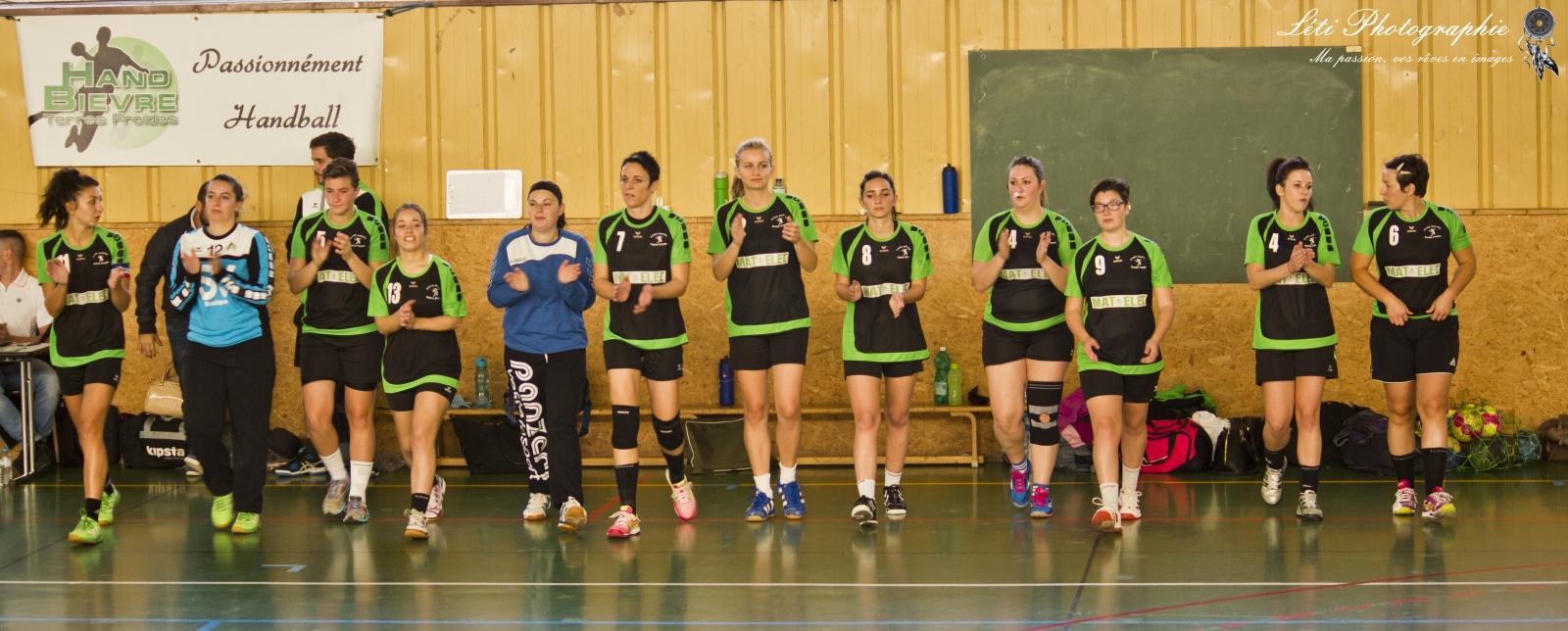 SF : Elles s'offrent les leaders.. - Hand Bievre Terres Froides - Club de Handball en Isère
