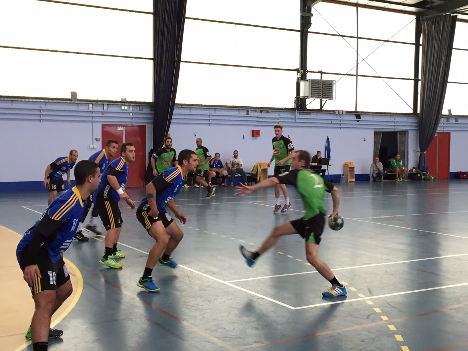 Premier accroc pour l'équipe Fanion - Hand Bievre Terres Froides - Club de Handball en Isère
